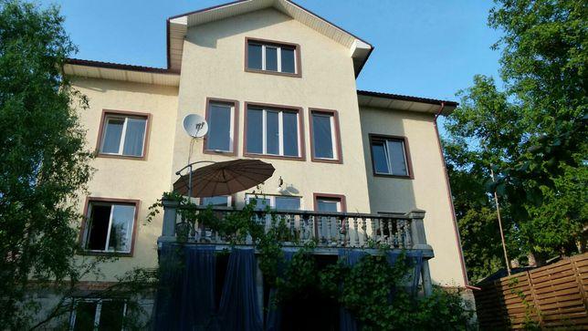 Продаётся дом  в тихом центре Татарка м.Лукьяновская
