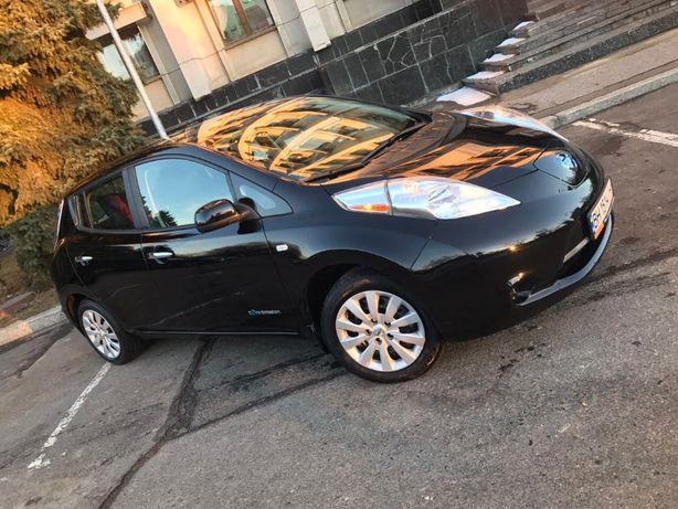 Nissan Leaf, 2015 год, 100% целый автомобиль ищет своего хозяина