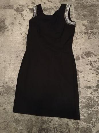 Mała czarna mini sukienka 38