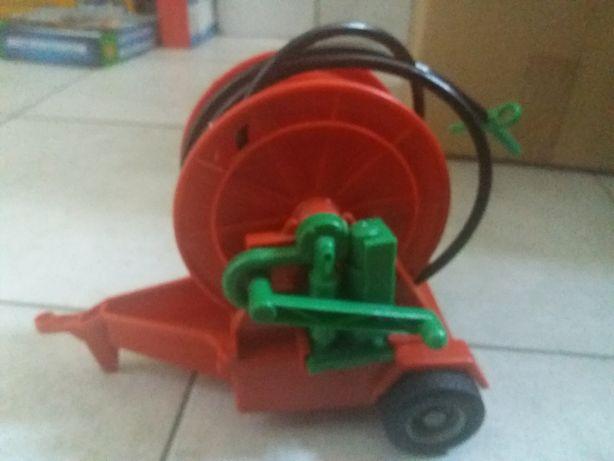 Zabawka polewaczka rolnicza