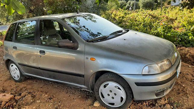 Fiat Punto 1.7 TD em optimo estado e poucos kms! Venha Ver!