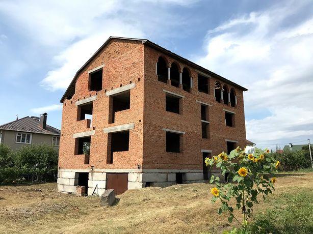 Продам недобудований будинок.