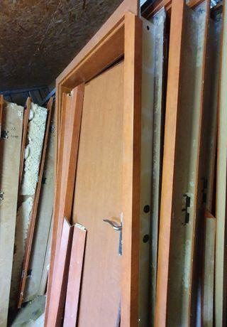 Drzwi z ościeżnicami 90 x 200