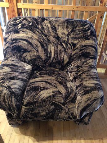 Rozkladana kanapa do spania i fotel