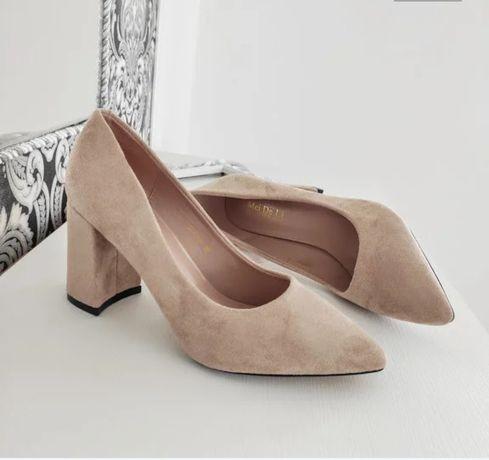 Туфли женские на среднем каблуке цвет мокко