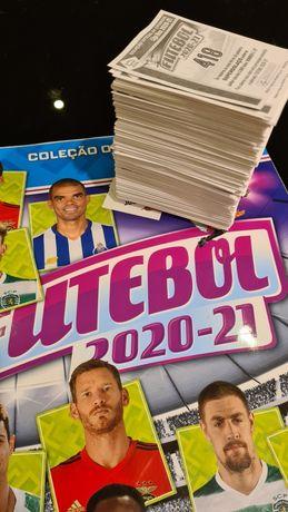 Caderneta Futebol 2020-21 Completa, com os cromos por colar