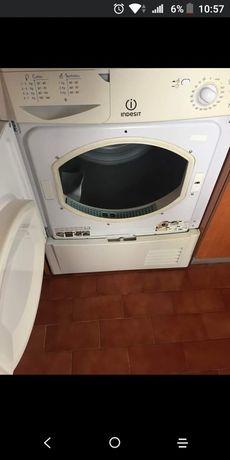 Vendo Máquina de secar roupa