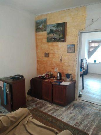 2 ком. квартира с автономным отоплением в центре