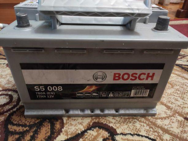 Продам акумулятор Bosch S5 008 77Ah 780A