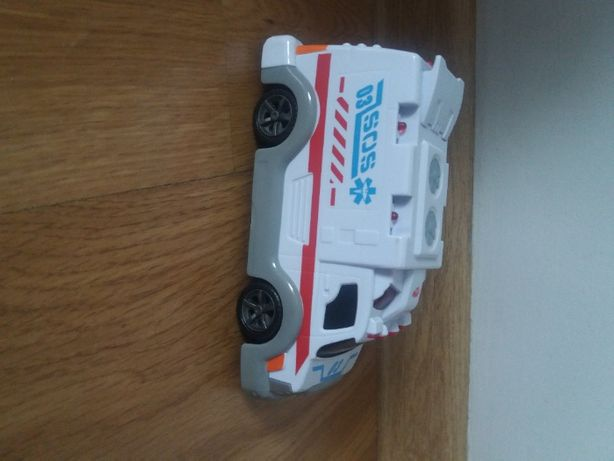 samochód ratunkowy, ambulans