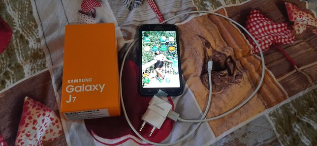 Мобілка мобільний телефон самсунг J7 смартфон сенсорний
