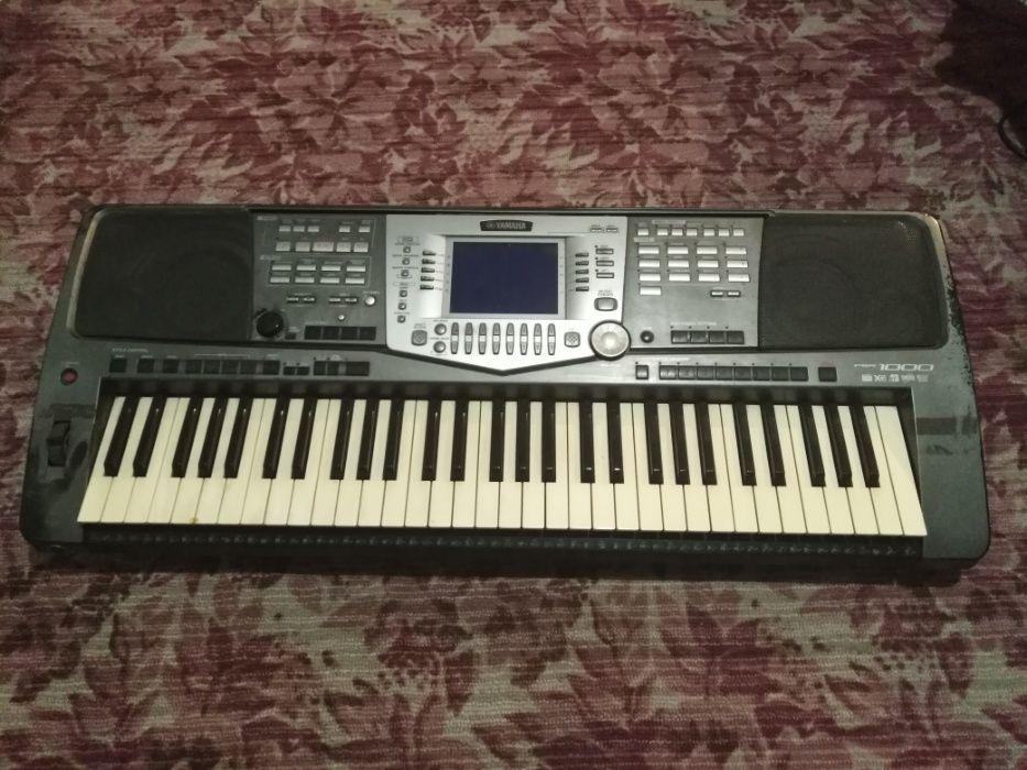 Продам синтезатор Yamaha psr 1000 б/у Гранитное - изображение 1