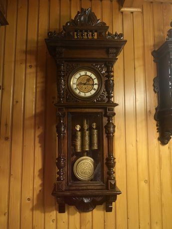 Wyjątkowy zegar wiszący na wagi