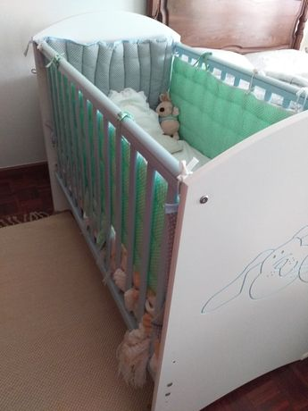 Berço e colchão  bebé
