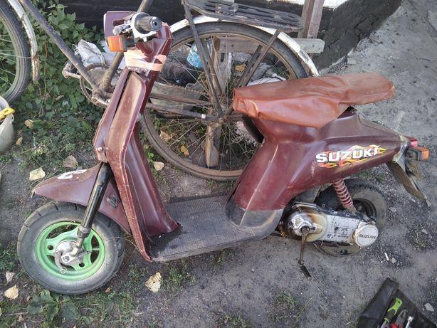 Скутер Suzuki (Ретро)