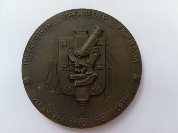Medalha de bronze do 75º aniversário do LNIV