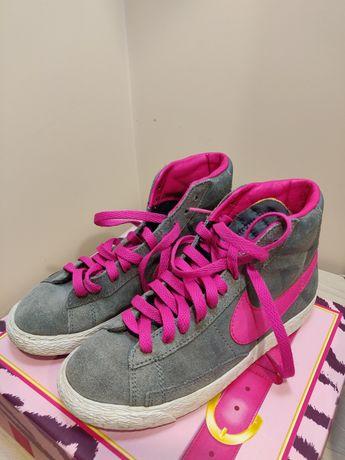 Кроссовки, кеды . Nike