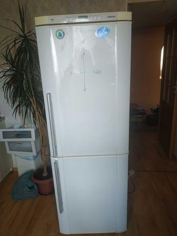 Продам холодильник Samsung, полностью рабочий, no frost.
