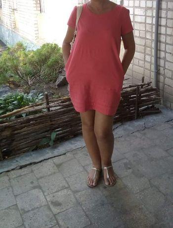 Платье коралловый цвет 16 размер.