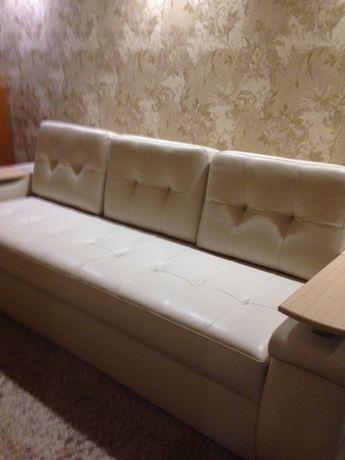 Продам  большой , красивый диван.
