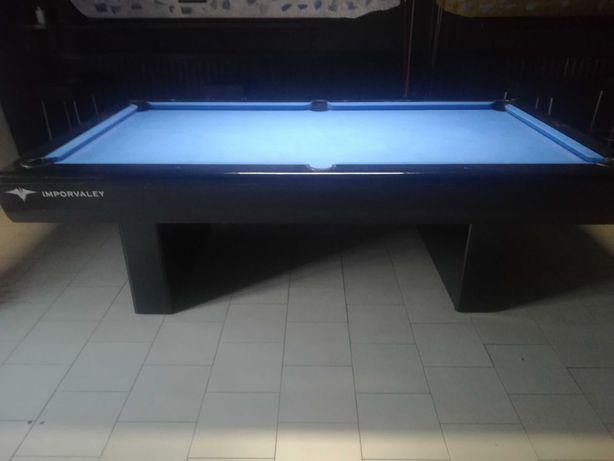 Vendo mesa de pool (snooker) profissional em bom estado!