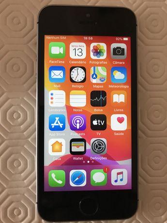 iPhone SE 64GB desbloqueado bom estado
