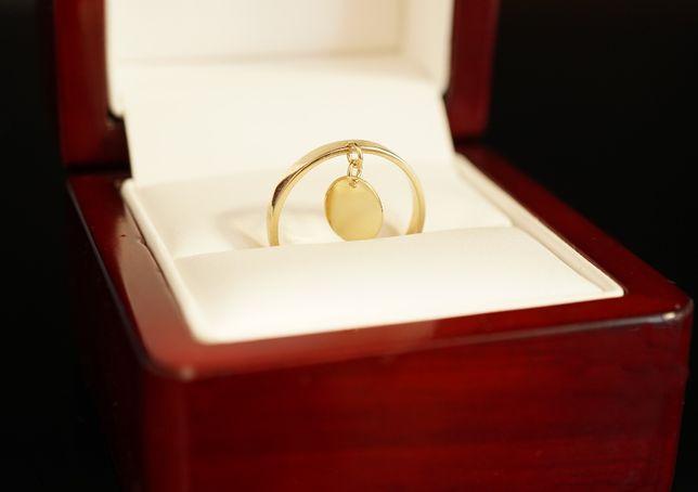 Złoto 585-Złoty pierścionek ,obrączka z kółeczkiem.