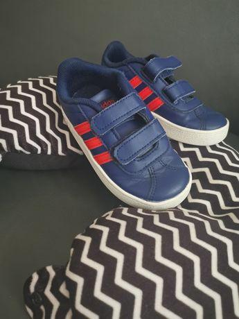 Buty, adidasy na jesień adidas 24 chłopięce