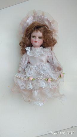 Фарфоровая кукла в колекцию