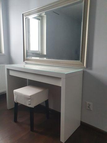 Toaletka z lustrem, biała.