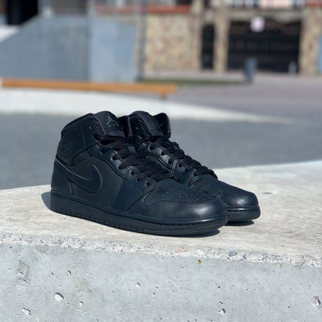 Оригінальні шкіряні Nike Air Jordan 1 Mid Triple Black Dunk high