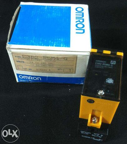 Sensor retro-reflectivo OMRON E3B2-R5M4-G