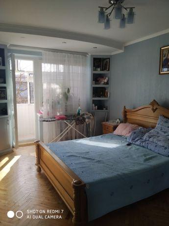Продаж 3 кім. квартири в р-ні Аквапарк