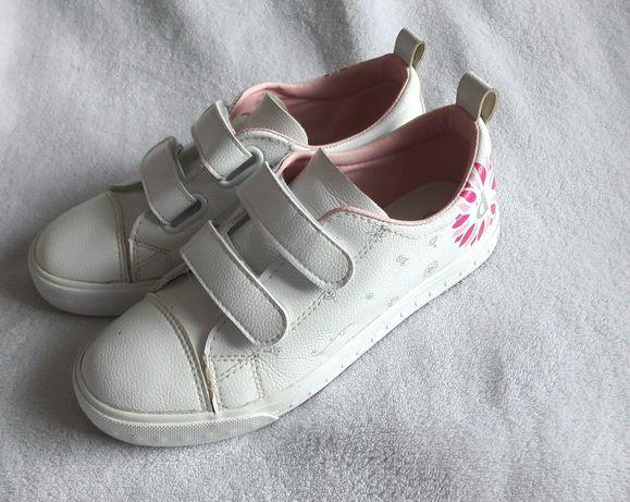 Кросівки білі 36 розмір