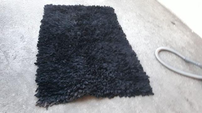 Carpetes de várias medidas em preto