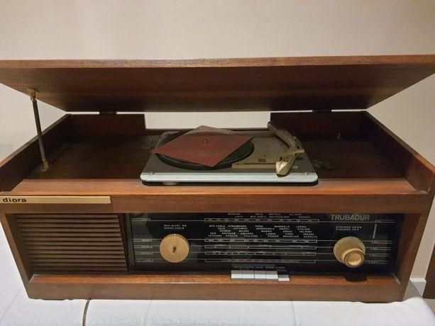 Radio gramofon Trubadur