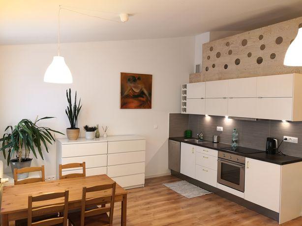 Wynajmę mieszkanie przy ul. Kochanowskiego 23 w Krakowie.