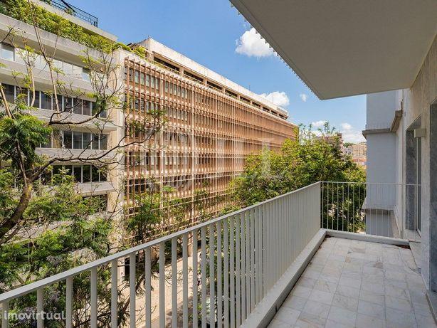 Apartamento T1 novo e mobilado no Empreendimento West, em...