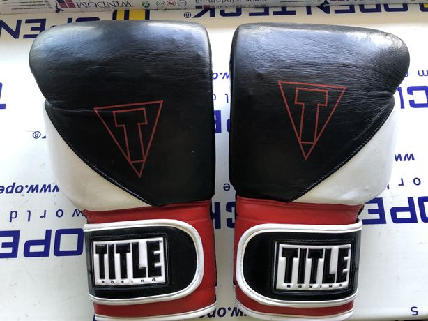 Боксерские перчатки Title Gel 18 oz оригинальные США