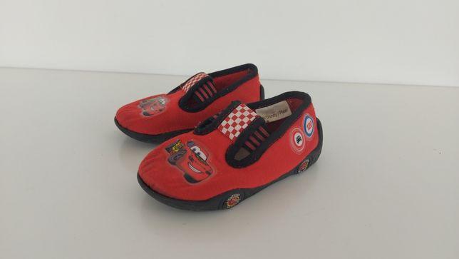Buty kapcie dziecięce CARS w rozmiarze 23