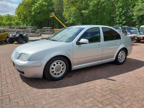 Volkswagen Bora 2.0 benzyna 2001 rok
