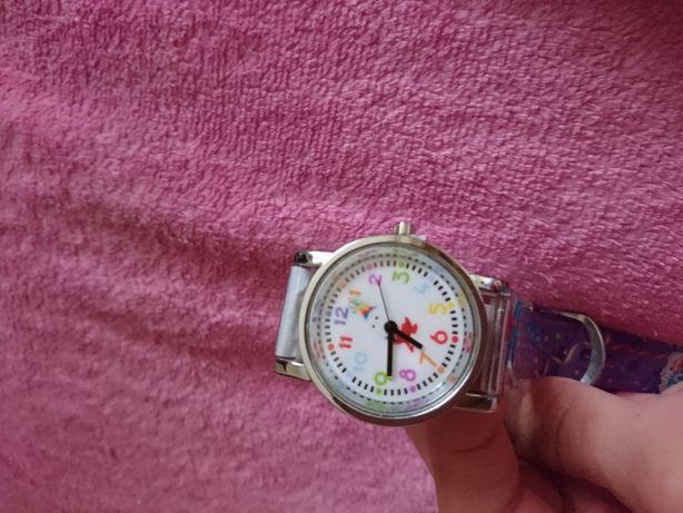 Абсолютно новые эксклюзивные наручные кварцевые часы от Киндер