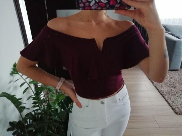 Fioletowa bluzka z odkrytymi ramionami