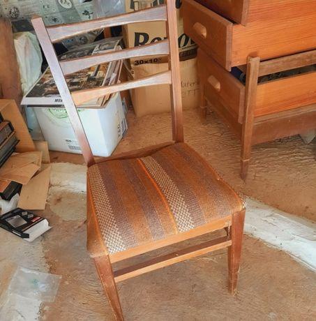 Cadeira quarto antiga