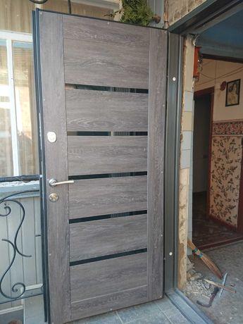 Изготовим надежные красивые металлические двери .