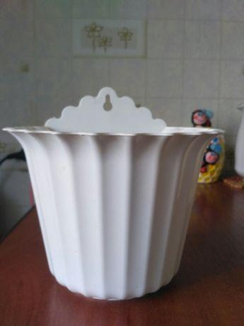 Пластиковые горшки для цветов