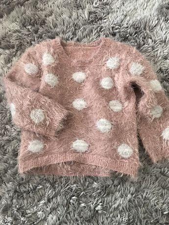 Różowy pudrowy sweterek NEXT pluszowy 3/4 lata