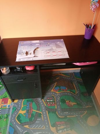 Czarne biurko duże
