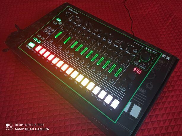 Roland AIRA TR-8 TR8 Automat Perkusyjny Rytmiczny (TR-808 i 909)