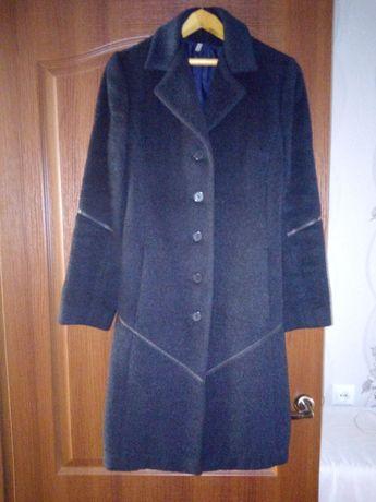 Продам пальто деми